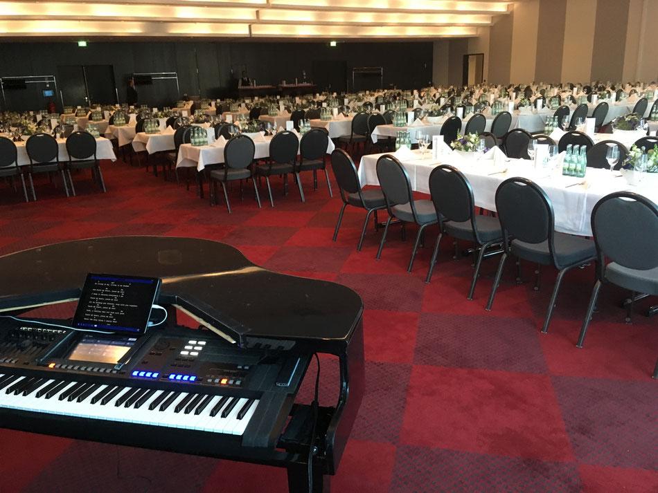Firmenfeier als Pianist im Mövenpick Hotel