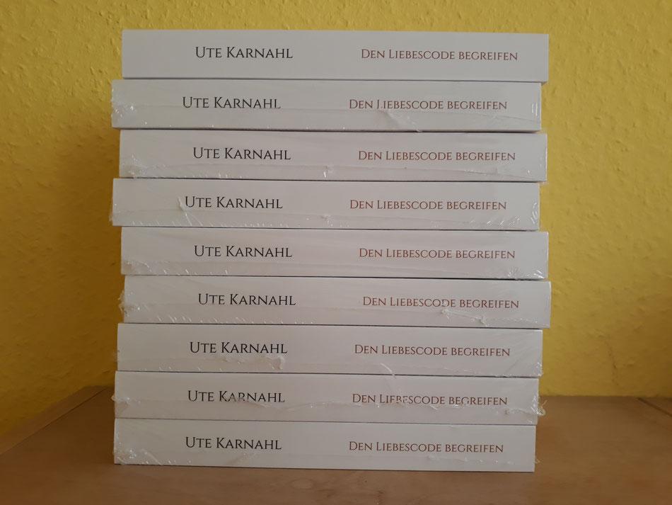 Leseprobe zu Den Liebescode begreifen, Neuerscheinung, Ute Karnahl über das Monogamie-Gen der Paarliebe
