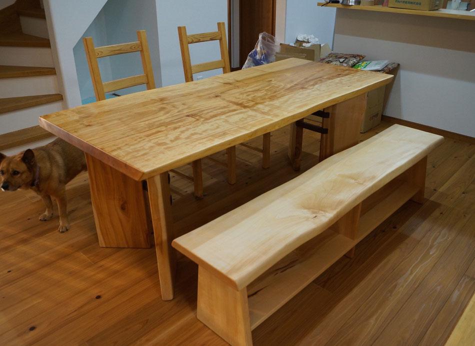 トチ 一枚板 ダイニングテーブル
