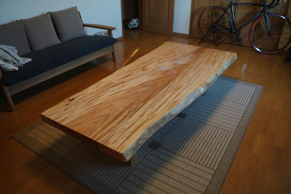 トチ 一枚板 センターテーブル 広島