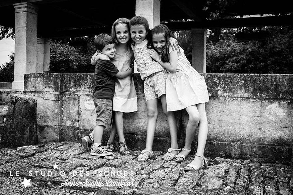 Séance Famille Pesmes Côte d'Or Photographe Dijon le Studio des Songes Anne-Sophie CAMBEUR