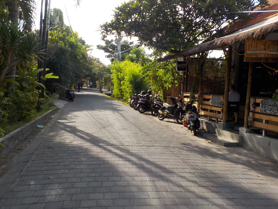 Located at the heart of Seminyak. Only 5 minutes walk to the famous Bintang Supermarket