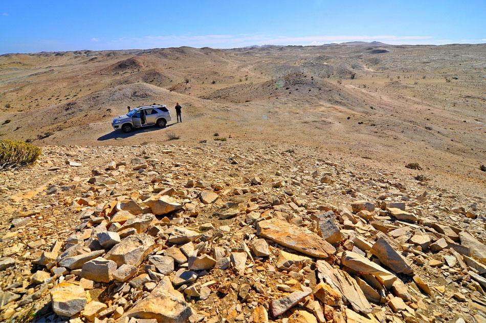 Diamantensperrgebiet. Das Diamantensperrgebiet erstreckt sich vom Oranje-Fluß im Süden bis zur südlichen Grenze des Namib-Naukluft National Parks. Lüderitz ist der nächst größere Ort.
