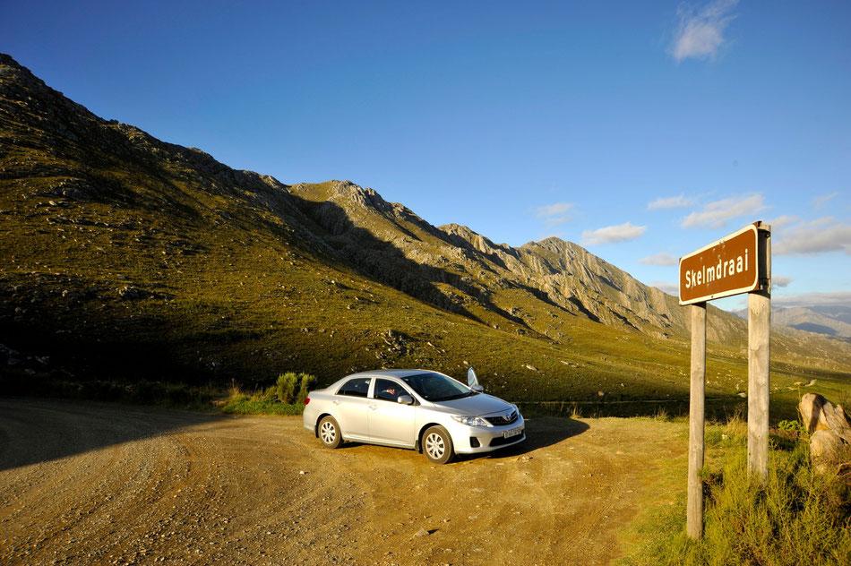 auf der passhöhe am swartberg pass richting prince albert und oudtshorn, südafrika safari
