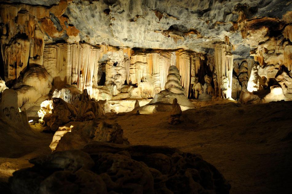 oudtshoorn cango caves, unbedingt die adventure tour bis tief in die cango caves buchen.