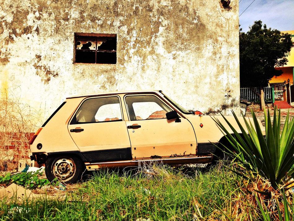 Renault 5 im Bo Kaap nahe dem Zentrum von Kapstadt.