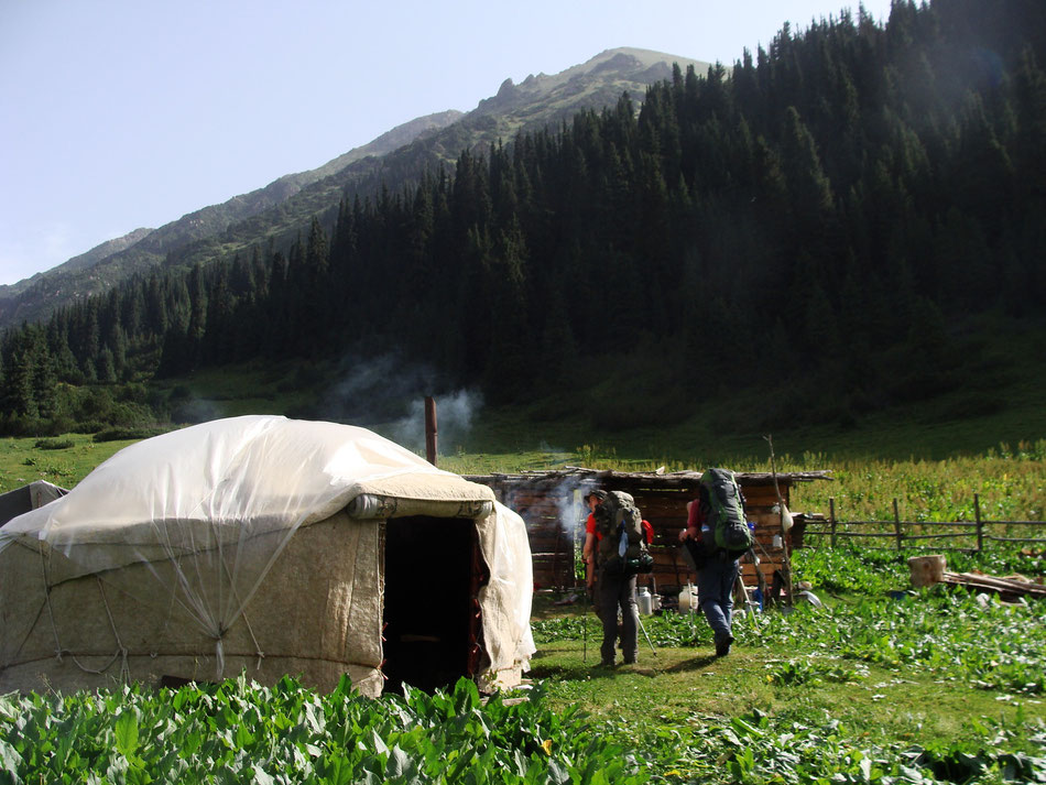 A typical yurt tent.