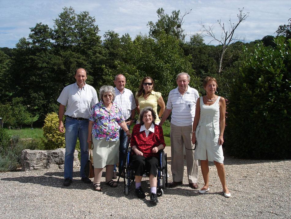 de gauche à droite, Patrice, Suzanne, André, Alice, Pauline (en bas, Samuel), René et Jeannine