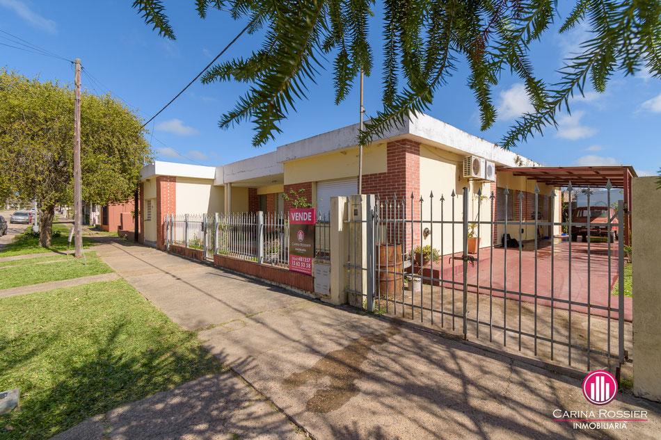Carina Rossier Inmobiliaria vende casa en Villa Elisa, Entre Ríos.