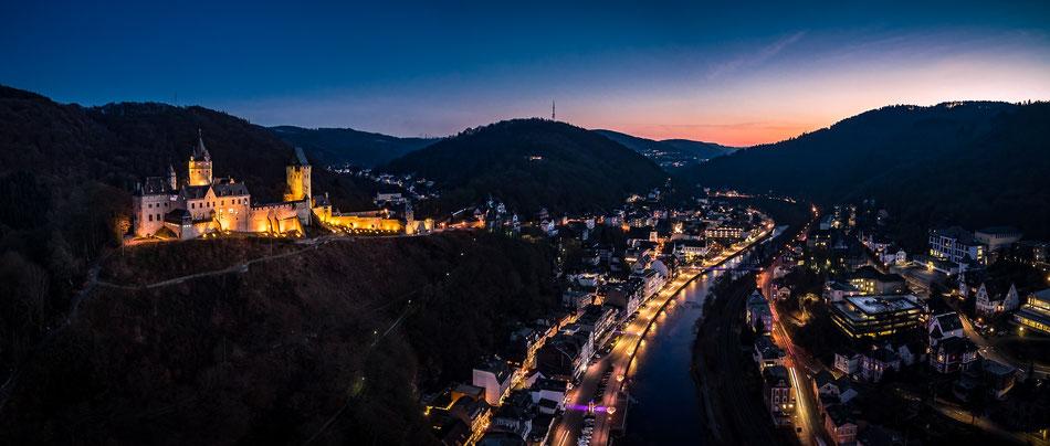 Burg Altena zur Blauen Stunde. Foto: Carsten Krämer