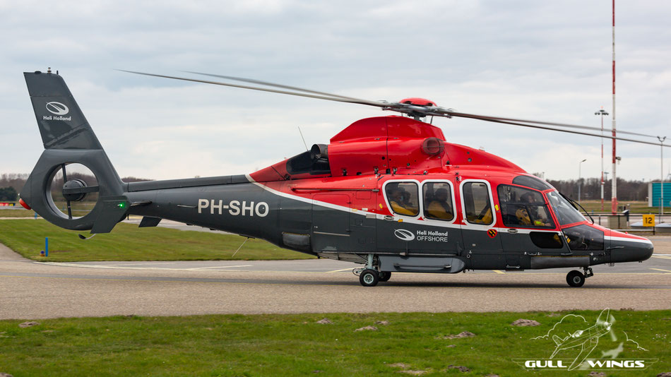 Always nice to catch is this Eurocopter EC155 from Heli Holland Offshore.