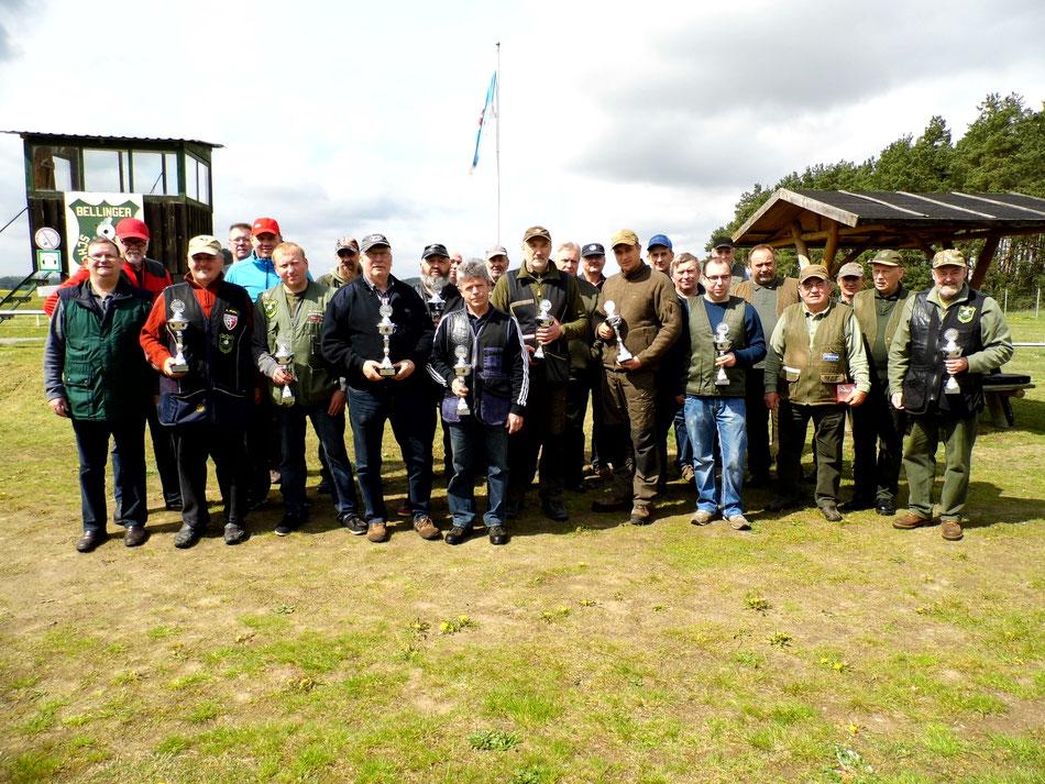 Teilnehmer des 21. Bellinger Maipokal Trap am 06.05.2017