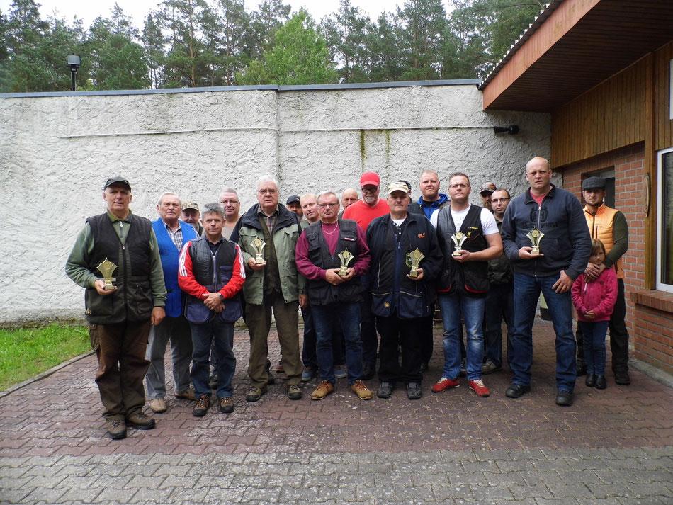 Teilnehmer des 12. Doppeltrapschießen am 02.07.2017 in Torgelow.