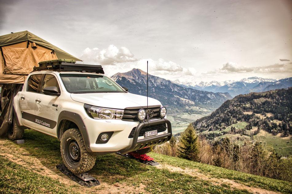 Offroad Fahrzeugbau Solarzelle zusatzbatterie Horntools Frontrunner Toyota Hilux Stahltziele Kunststoffziele