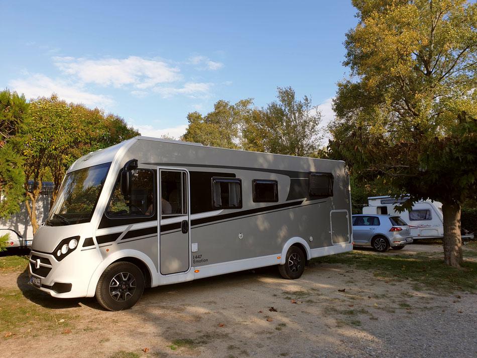 mit dem Wohnmobil nach Südfrankreich Provence Bauernmarkt in L'Isle sur la Sorgue Campingplatz