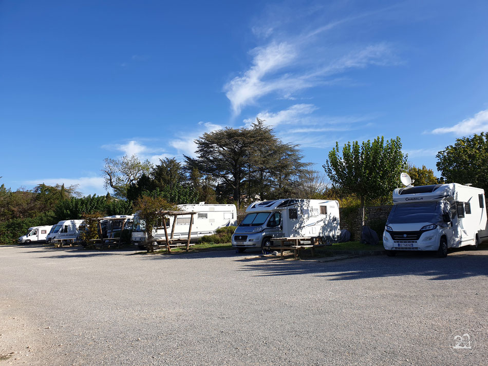 Wohnmobilstellplatz Südfrankreich Chusclan Provence