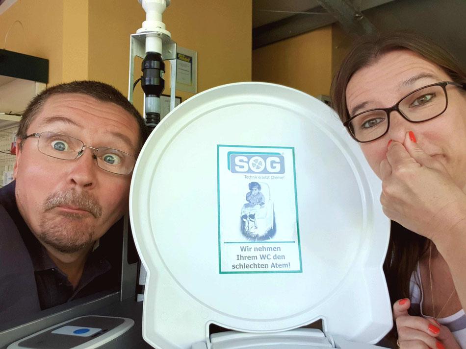 Leni und Toni bekommen SOG Anlage für die Toilette im Wohnmobil