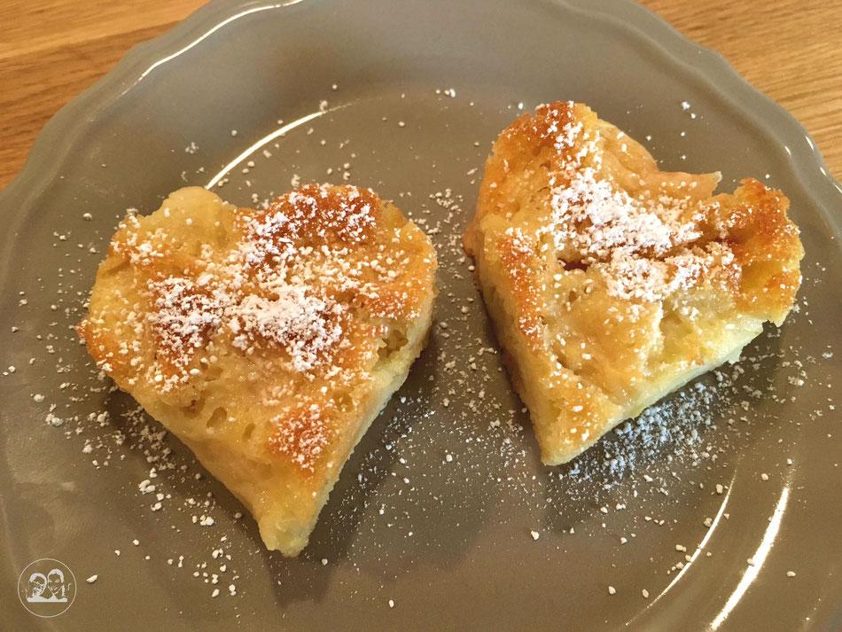 Apfelkuchen Herz mit Liebe gebacken
