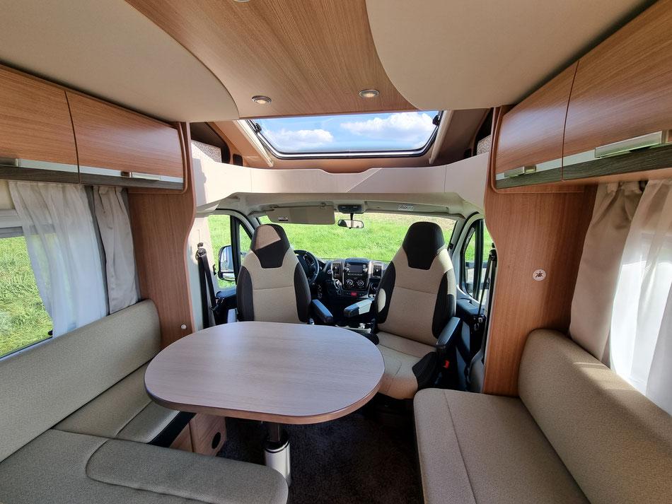 Wohnmobil Knaus Sky Wave 650 MG Innenansicht