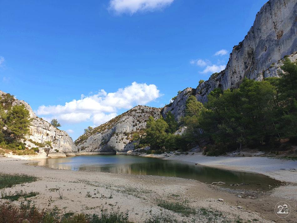 Wanderung um den Lac du Peirouu Provence Sudfrankreich Leni und Toni unterwegs mit dem Wohnmobil