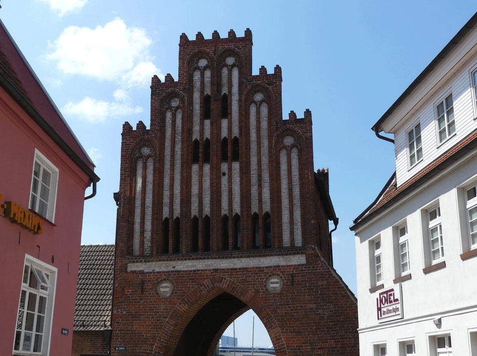 Leni und Toni mit dem Wohnmobil an Deutschlands Ostseeküste unterwegs Hansestadt Wismar