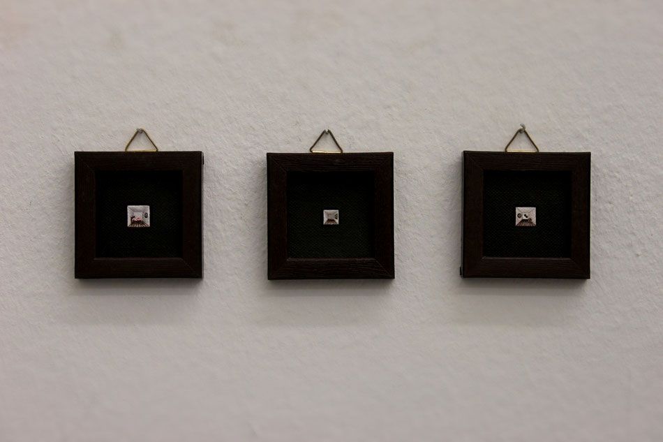 chamber 1, 2, 3 / oil on canvas, each 5x5 cm