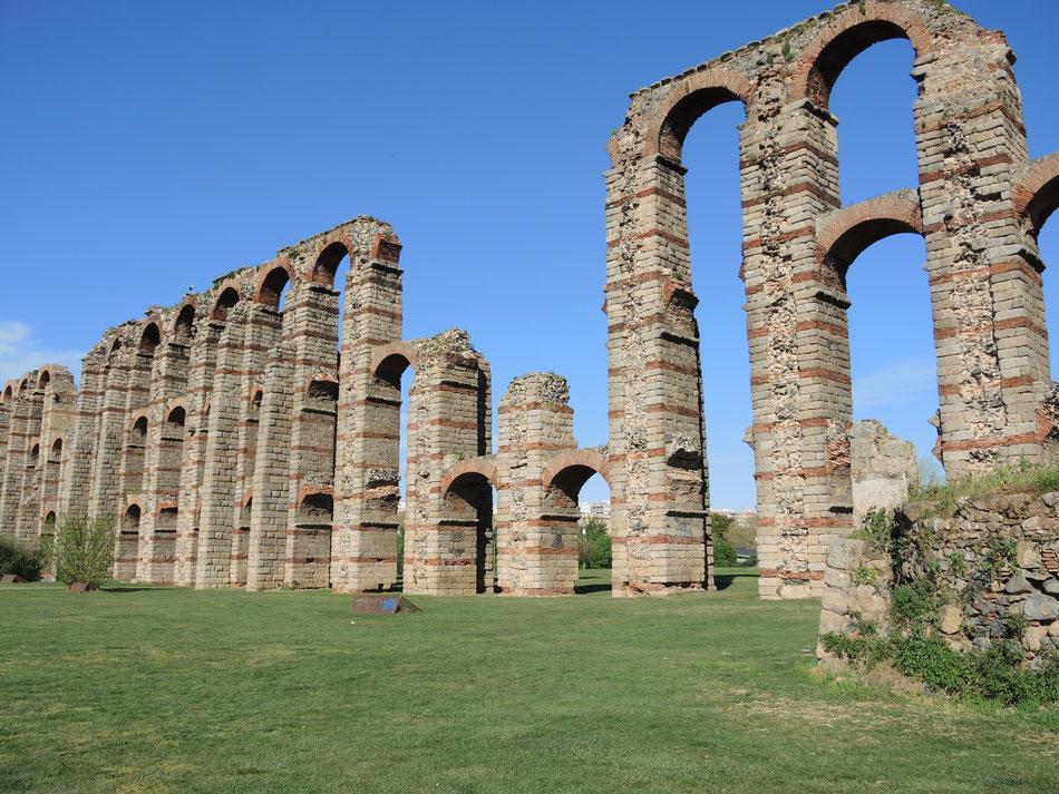 Die Aquädukten von Merida wurden von Römer etwa zu Christus Lebzeeiten gebaut (1. Jahrhundert n.Chr.)