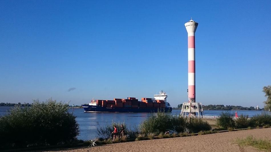 An der Elbe: Wetter super.