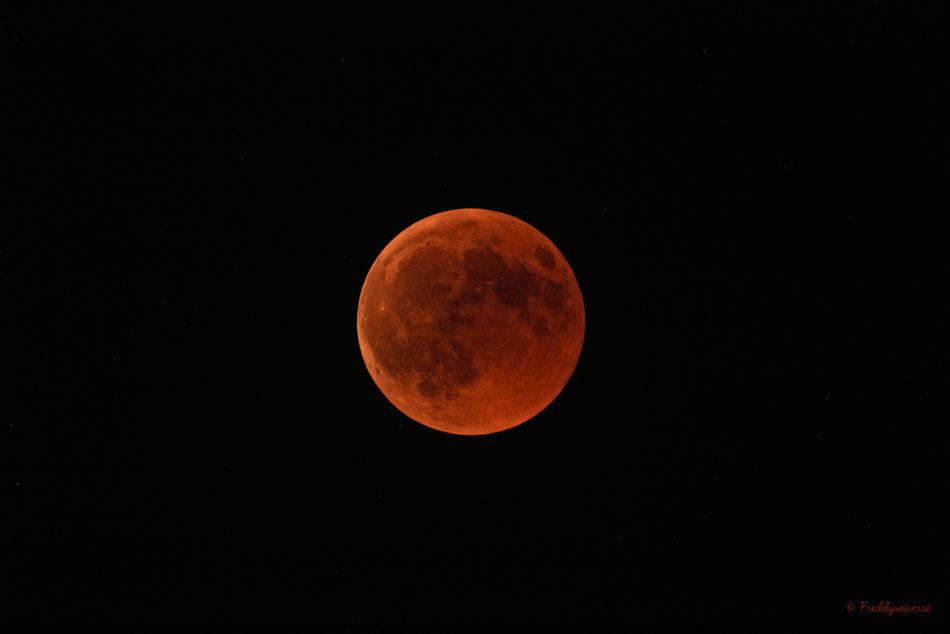 Máximo del Eclipse Total de Luna 27-07-2018