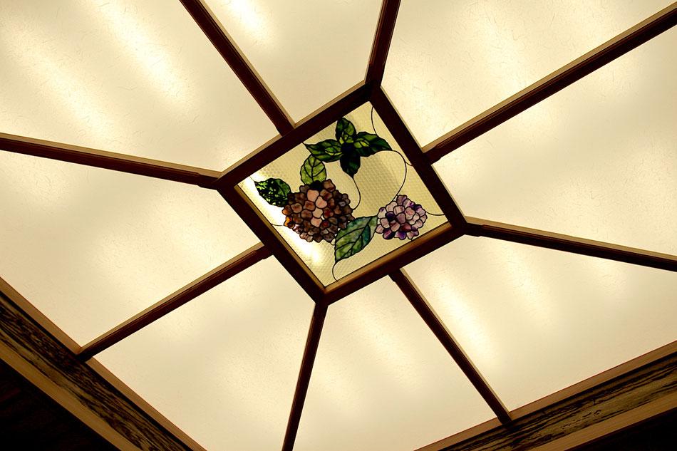 ステンドグラス  花のデザイン 紫陽花の花