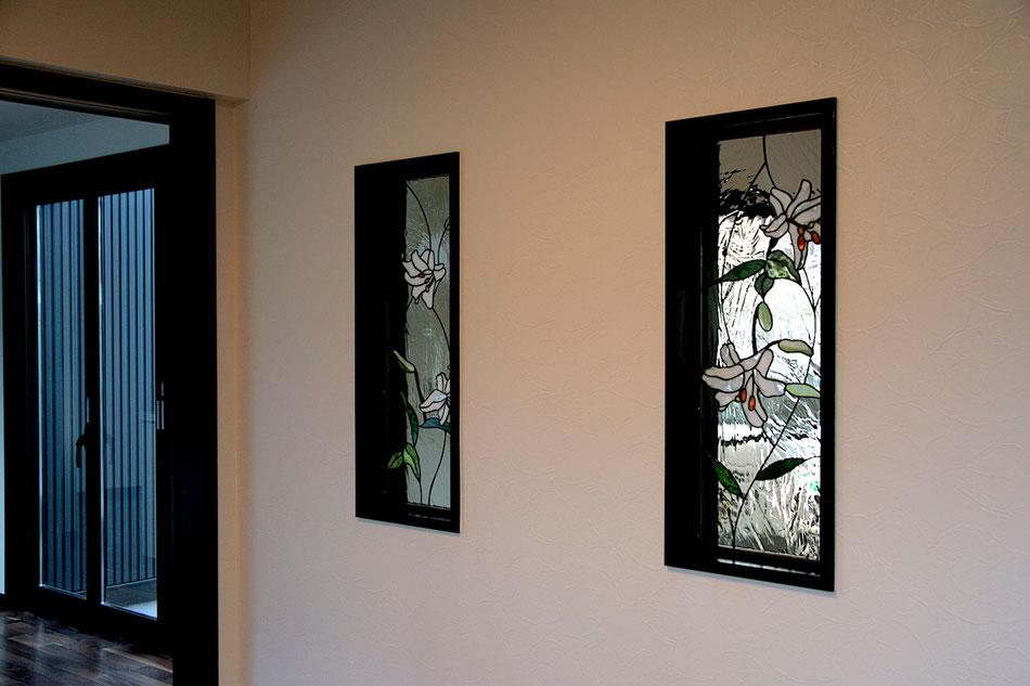 ステンドグラス  花のデザイン カサブランカ