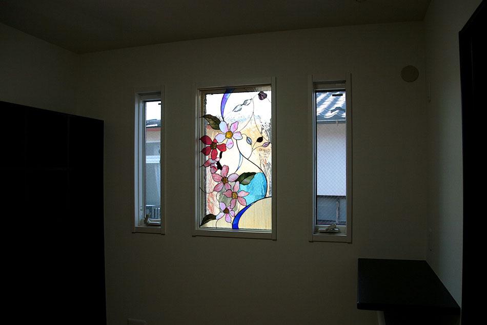 ステンドグラス  花のデザイン バラの花