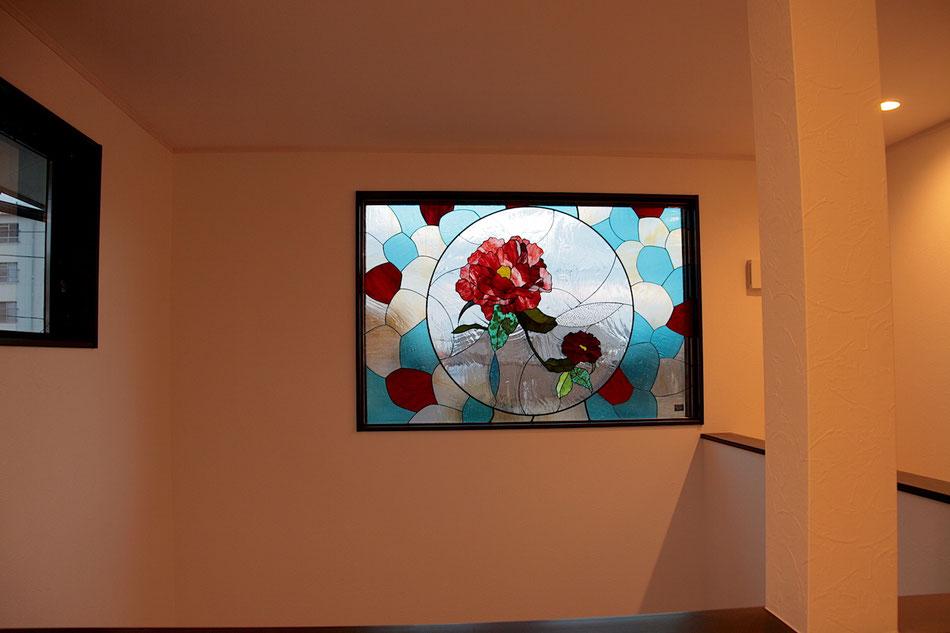 ステンドグラス  花のデザイン 大きい牡丹の花