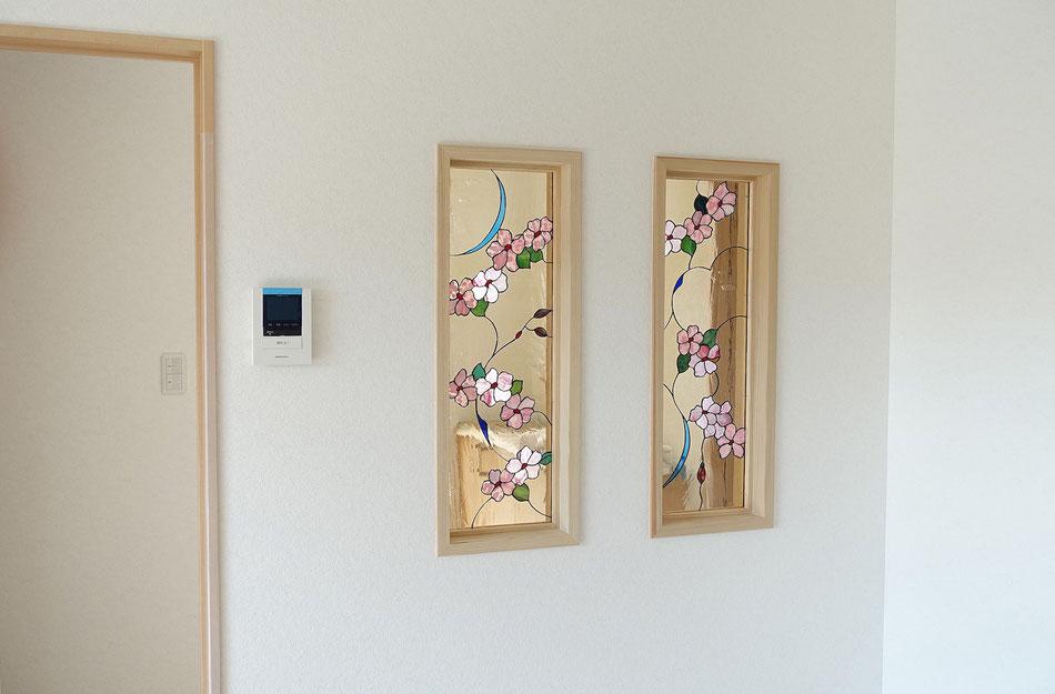 ステンドグラス  花のデザイン 桜の花