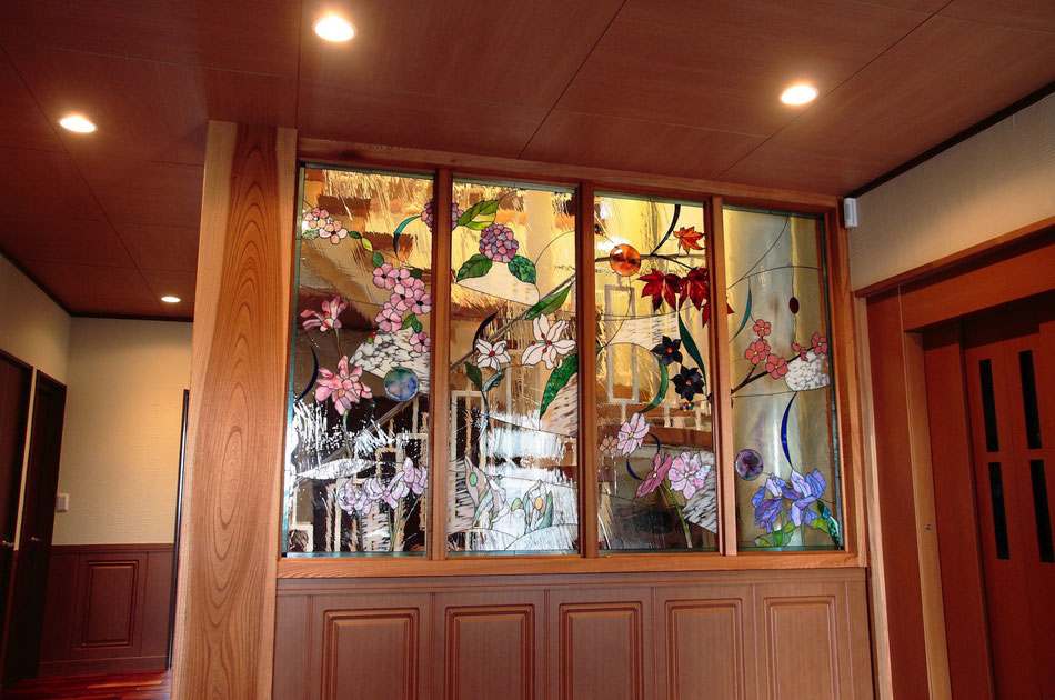ステンドグラス  花のデザイン 四季の花々