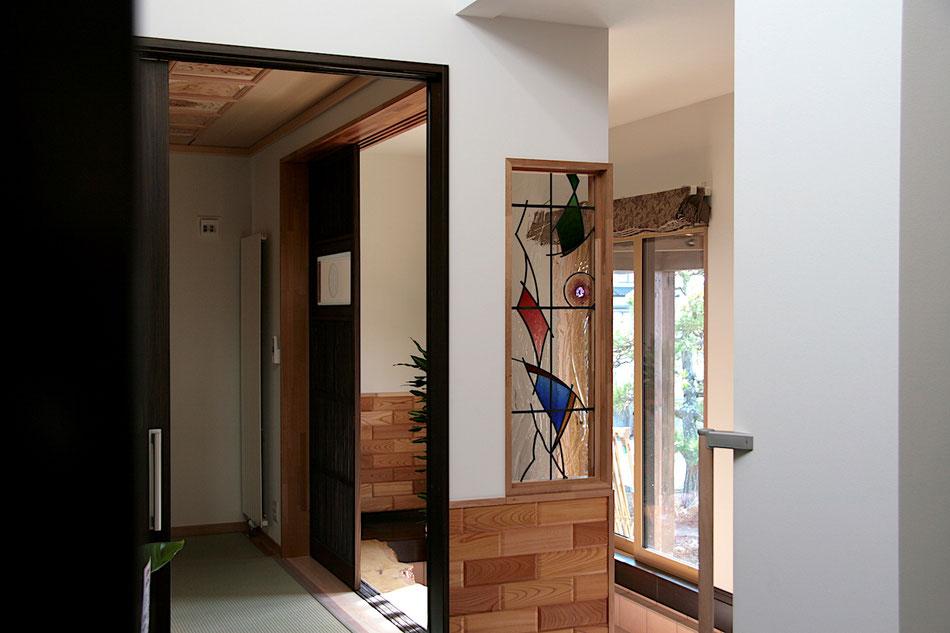 ステンドグラス  抽象的なデザイン 和モダン