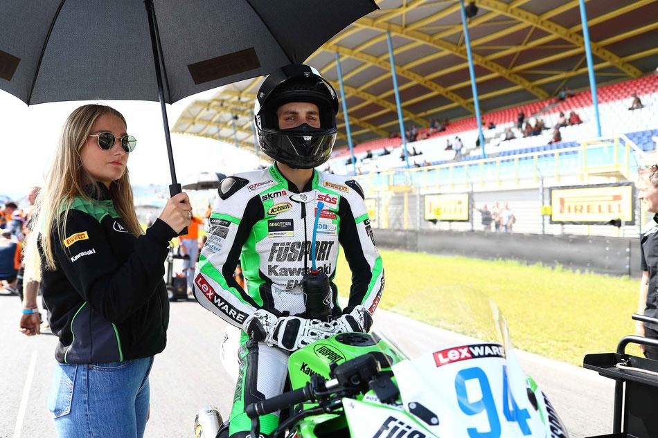 Marvin Siebdrath vor dem Start in sein IDM Rennen in Assen auf seiner Kawasaki