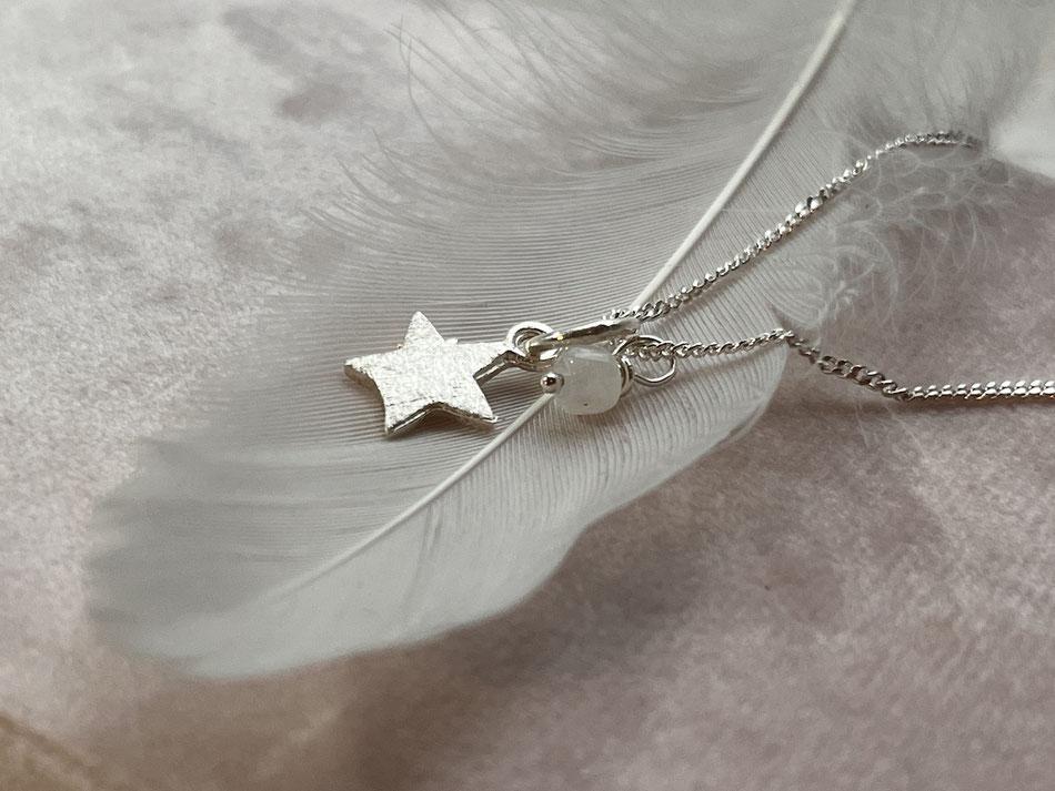 zarte kurze Silberkette mit Stern Anhänger und Edelstein Perle