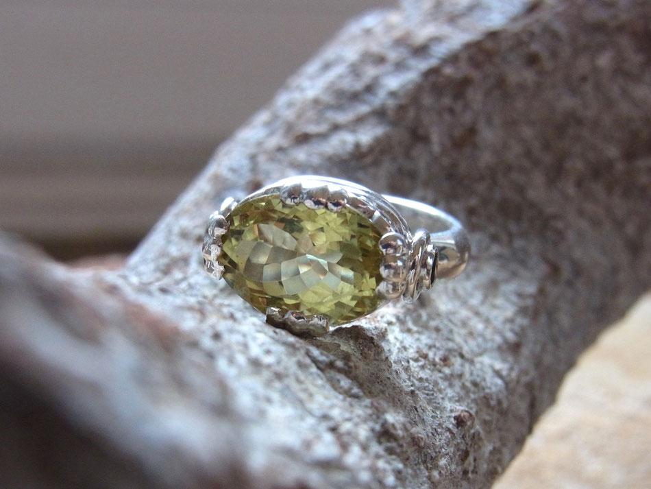 Ring mit Lemonquarz und Granat aus Sterling Silber