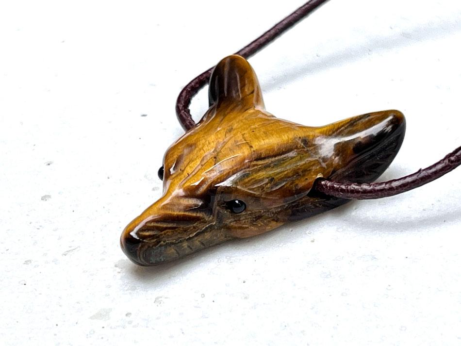 Edelsteinkette mit Wolf aus Tigerauge und Rauchquarz Steinen