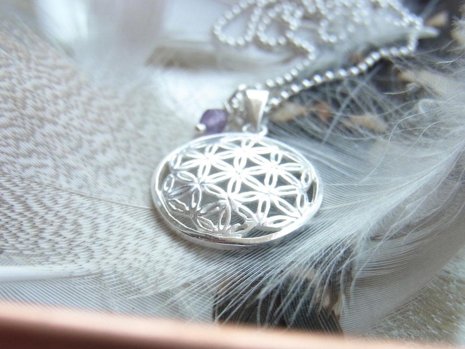 Filigrane Kugelkette mit kleinem Blume des Lebens Anhänger und Amethyst Perle