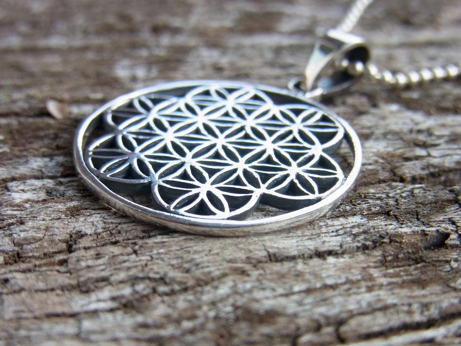 Kette mit Same des Lebens  Symbol Anhänger aus Silber