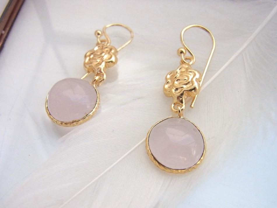 vergoldete Ohrringe mit Rosenquarz