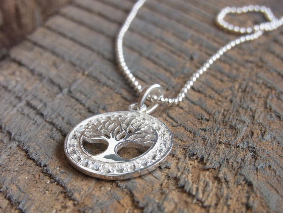 Kette mit Baum des Lebens aus Silber mit Zirkonia Steinen