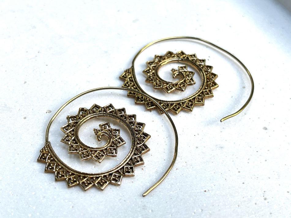 Vergoldete Ohrringe Spiralen
