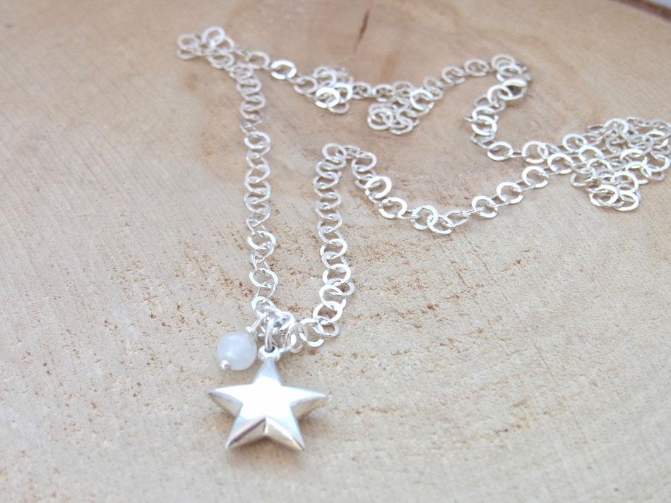 Gliederkette aus 925er Silber mit Silberstern Anhänger und Mondstein Perle