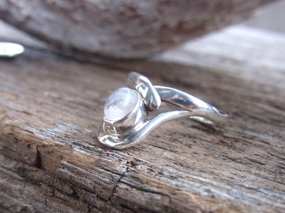 Mondstein Ring aus Silber