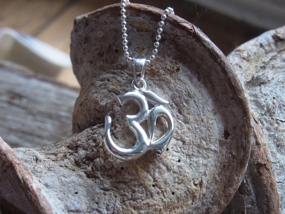 Kette mit OM Symbol Anhänger aus Silber