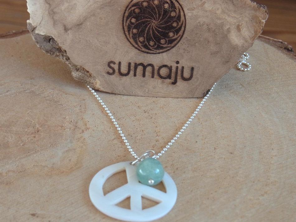 Filigrane Silberkette mit Peace Zeichen Anhänger in weissem Perlmutt und blaugrüner Aquamarin Kugel