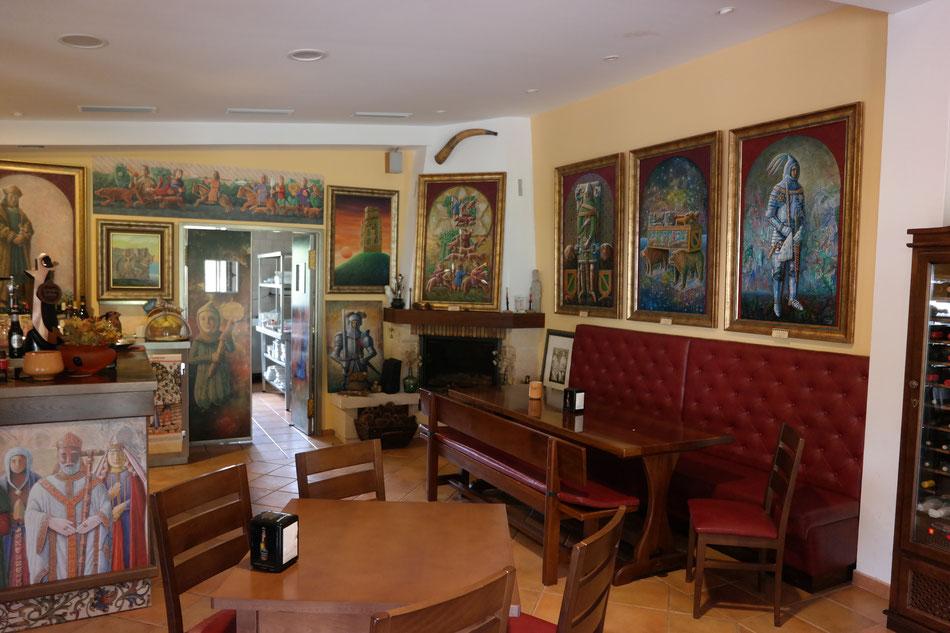 Meson-Museo in Presedo . Umfangreiche Galerie von Alfredo Erias in eine Dorfkneipe